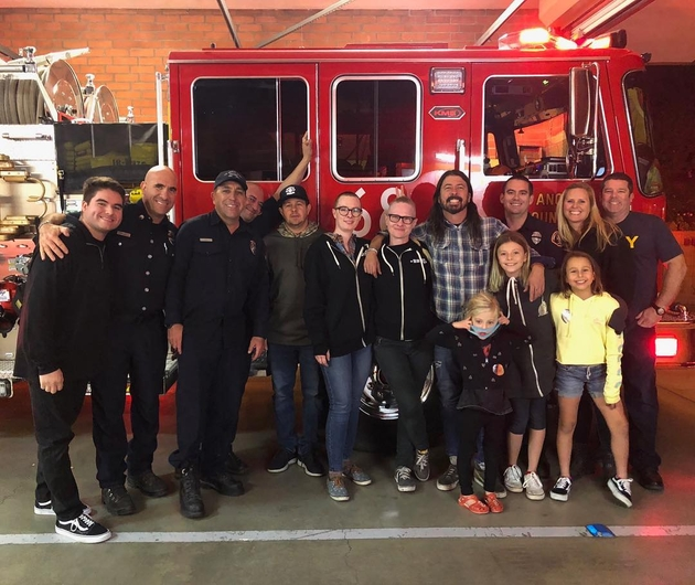 Grohl and firefighters