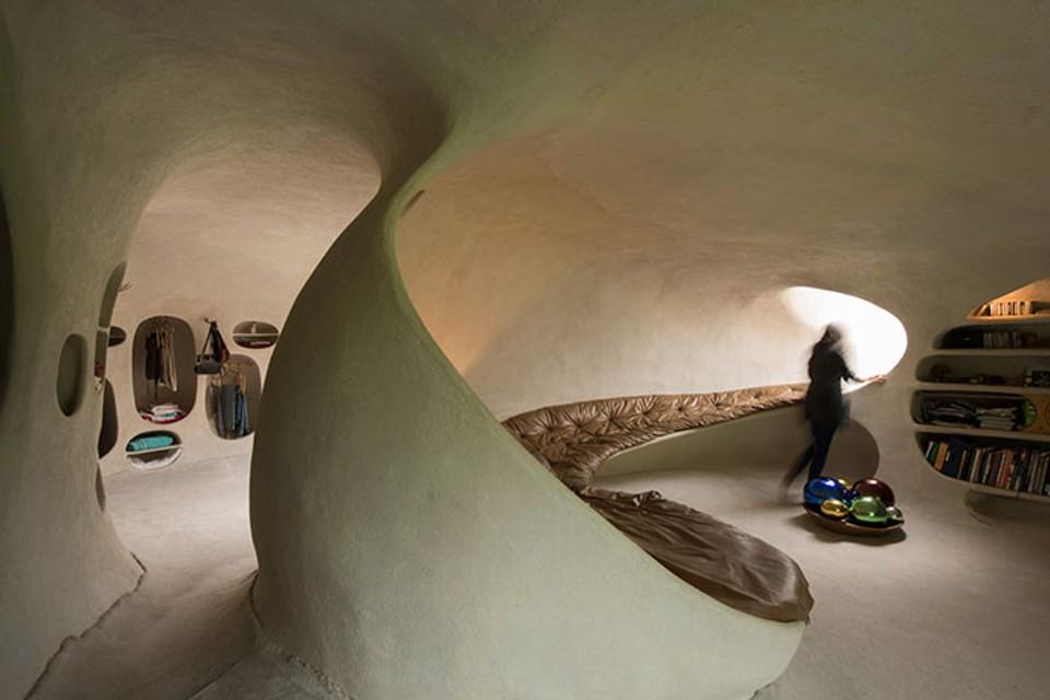 underground-hobbit-organic-house-javier-senosiain-18-5cb4281bce925__700