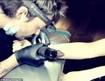 Madonna a jej nové tetovanie (4)